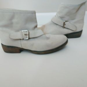 Mia Women's Ankle Boots Size 8 Off White Suede